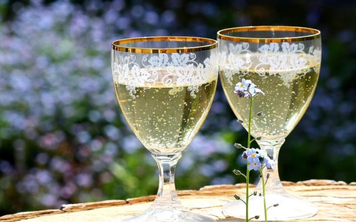 champagne-736773_1920